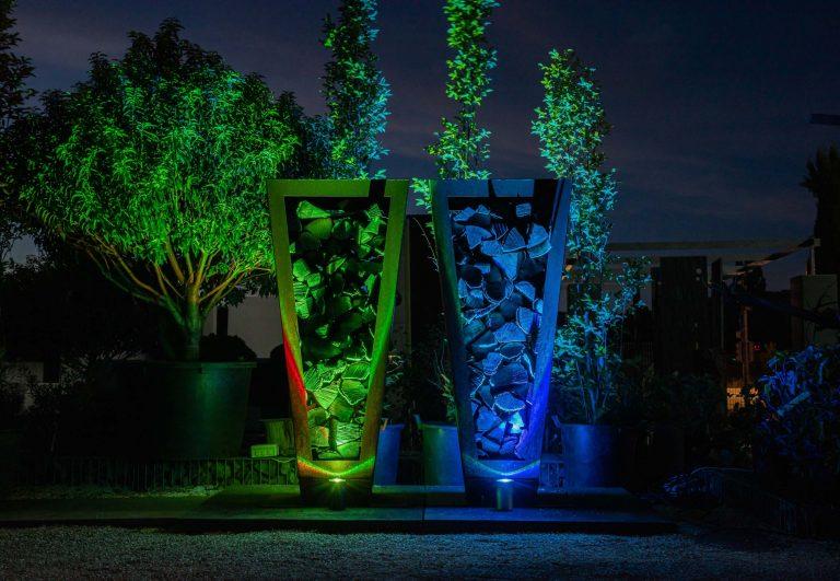 CAN Strahler Spotlights vor Design Holz Metall Skulpturen