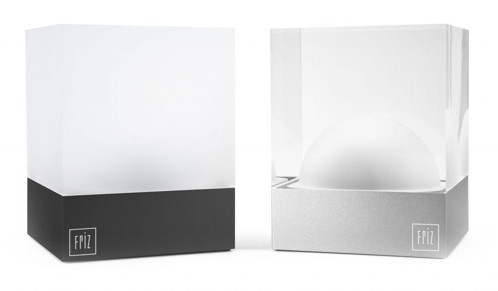 CUBE Akku Tischleuchten, transparentes und smoky Glasdesign